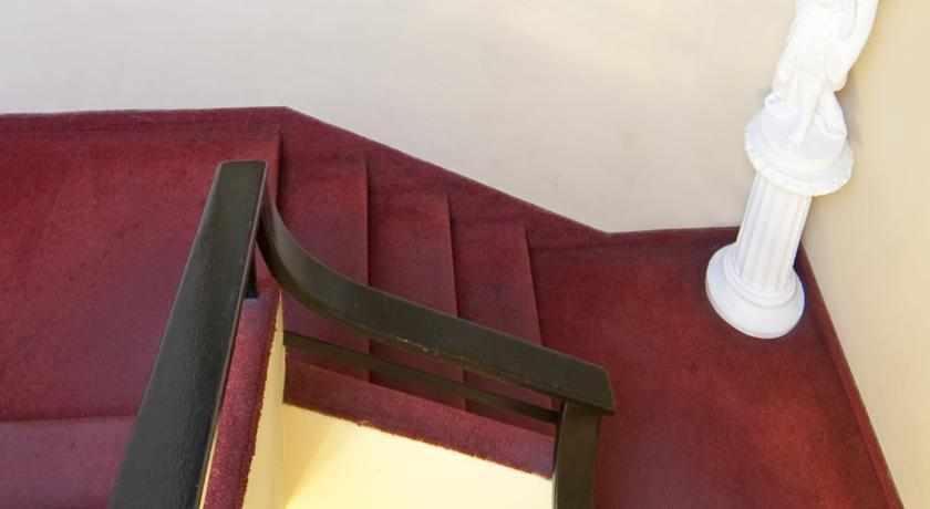 מדרגות מלון סאן אביב