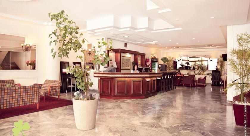 לובי מלון דבורה