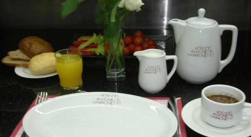 הגשת ארוחת בוקר ארמון הירקון
