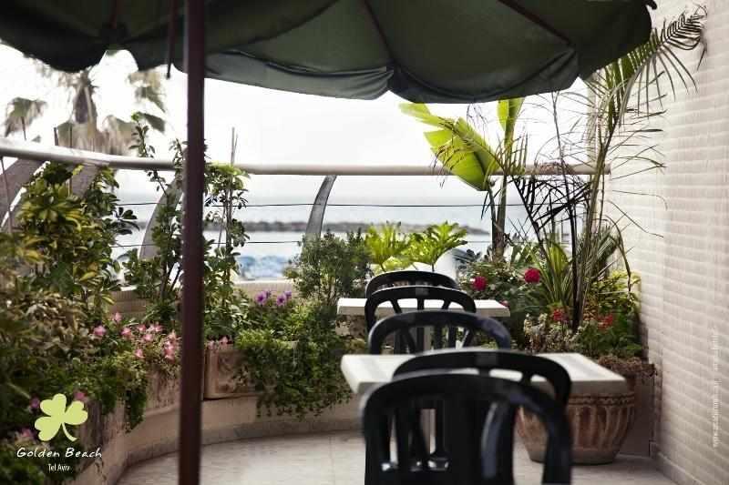 מרפסת מלון גולדן ביץ'