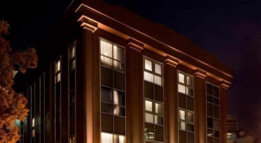 מלון בראון במרכז