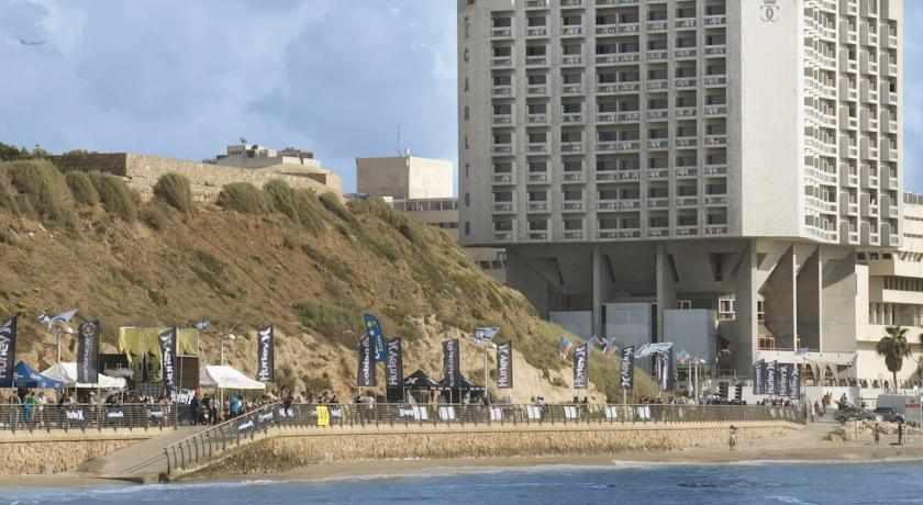 חוף מלון קרלטון