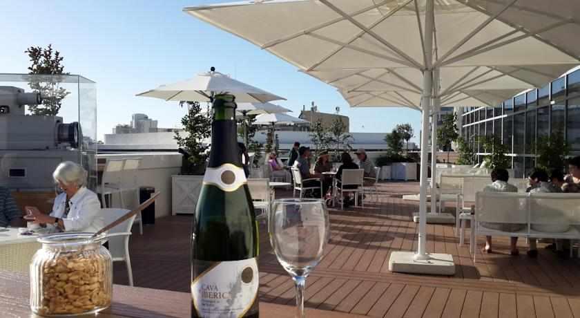 מרפסת גג מלון סינמה