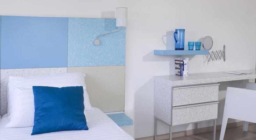 חדרי יחיד מלון פרימה סיטי