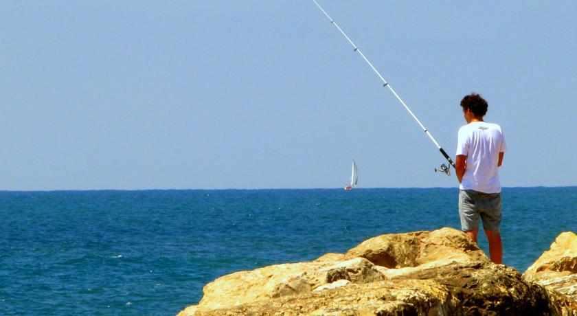 דייג בים מלון פרימה סיטי