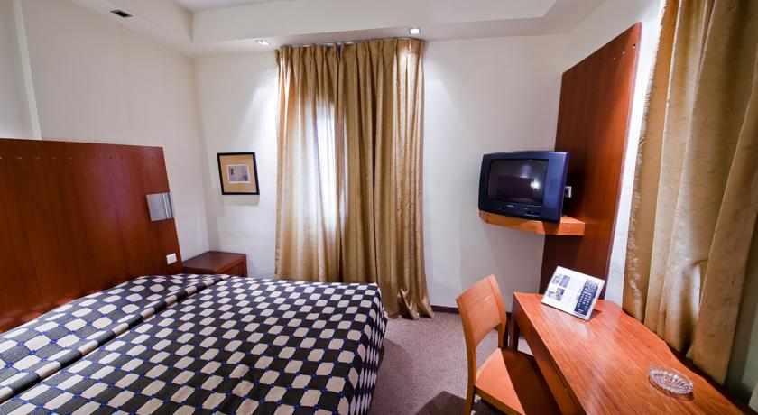 מיטות זוגיות מלון סי נט