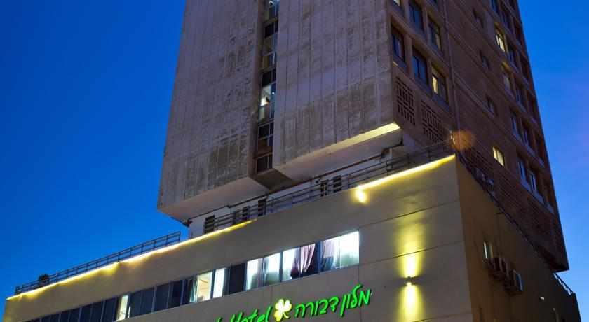 """מלון דבורה ת""""א"""