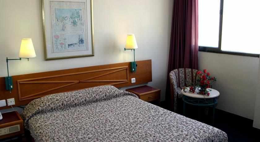 מיטות זוגיות מלון דבורה