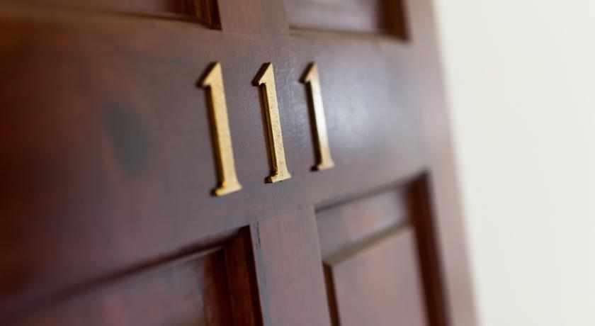 חדר מספר 111 מלון גלילאו