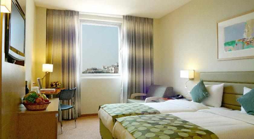 חדר נוף לעיר מלון גרנד ביץ'