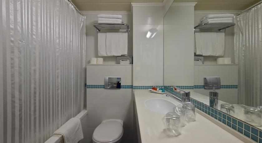 אמבטיה מלון מטרופוליטן