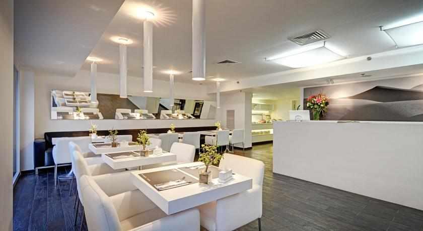 חדר אוכל מלון סבוי