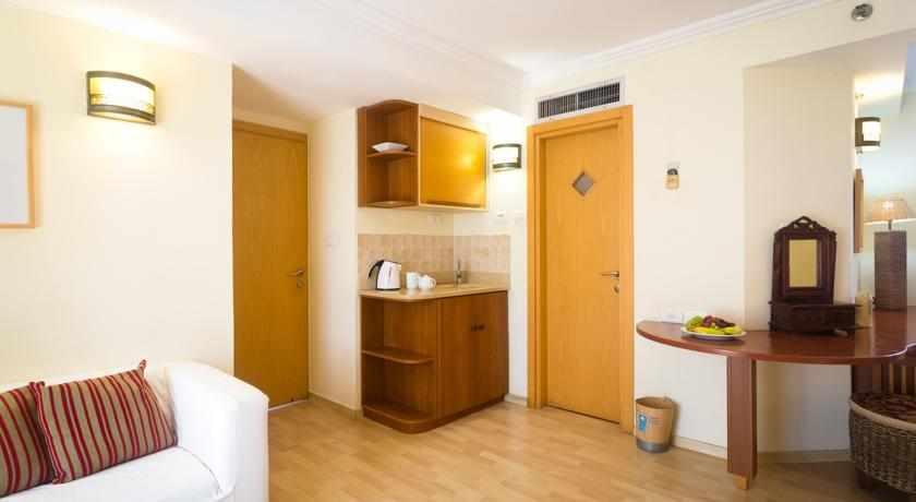 חדרי משפחה מלון דה לה מר