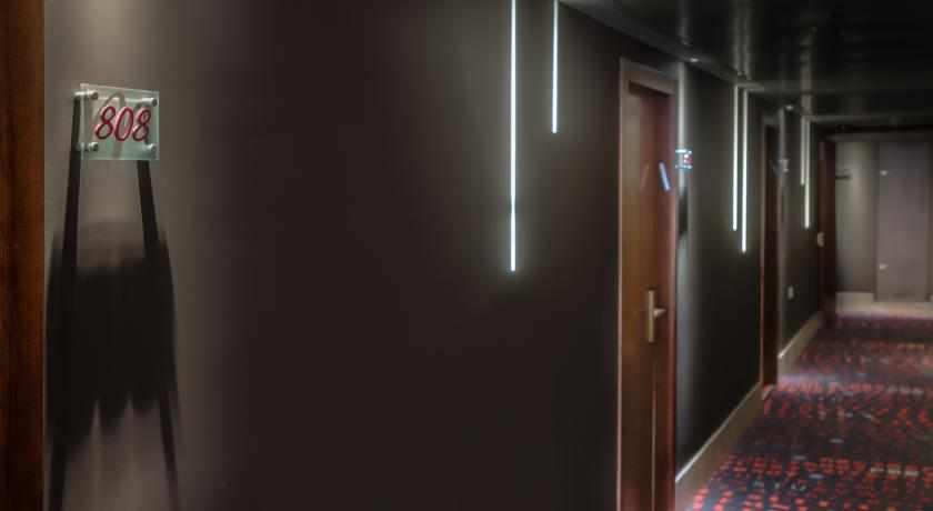 חדר 808 מלון מרקיור