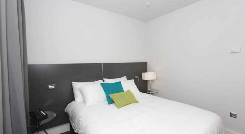 מיטה זוגית מלון אולימפיה