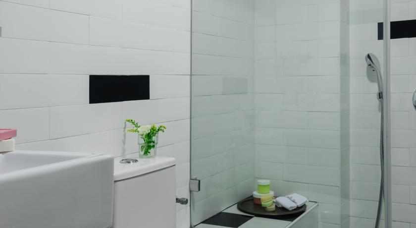 אמבטיה מלון פורט