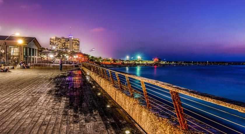 נמל תל אביב ליד מלון פורט