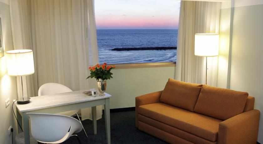 חדר נוף לים מלון פרימה