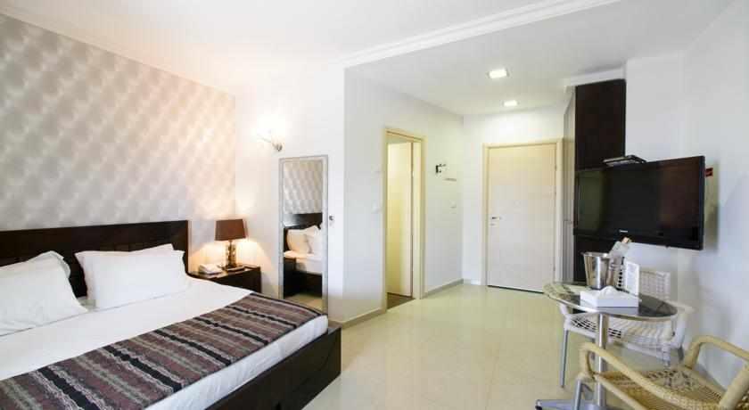 חדר דלקס מלון רויאלטי סוויט