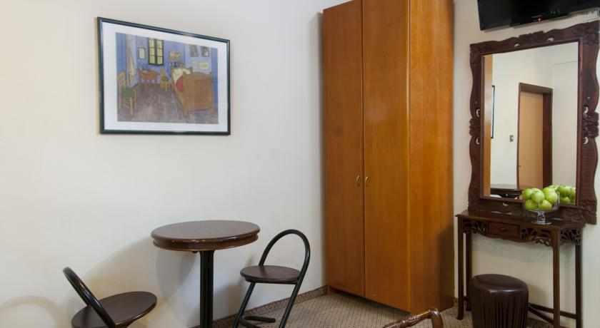 חדר מאובזר מלון סאן אביב