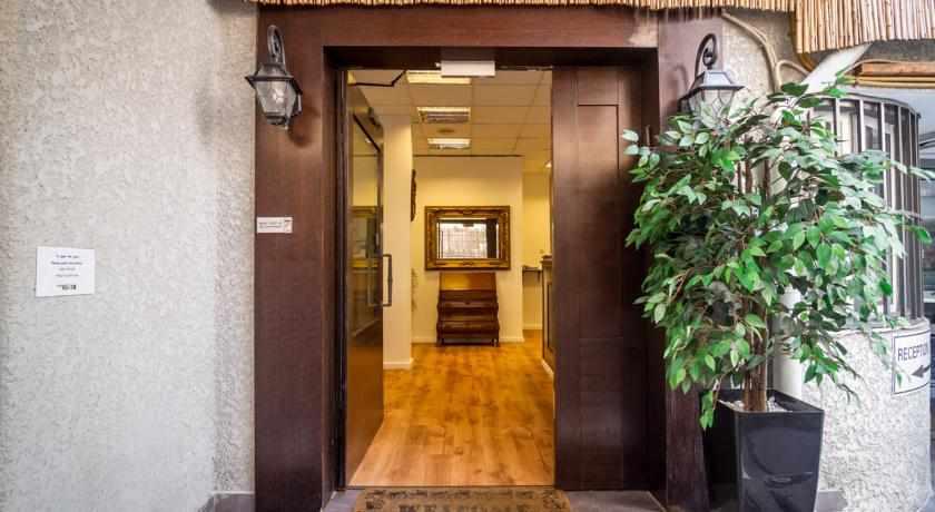 כניסה למלון סאן סיטי