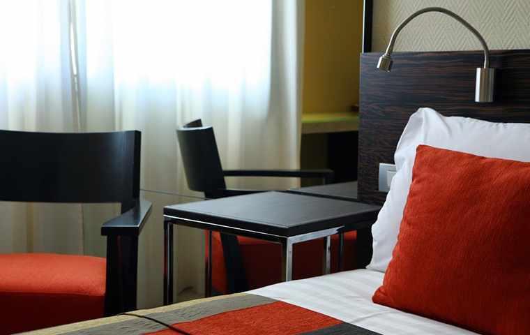 מיטה מלון טל