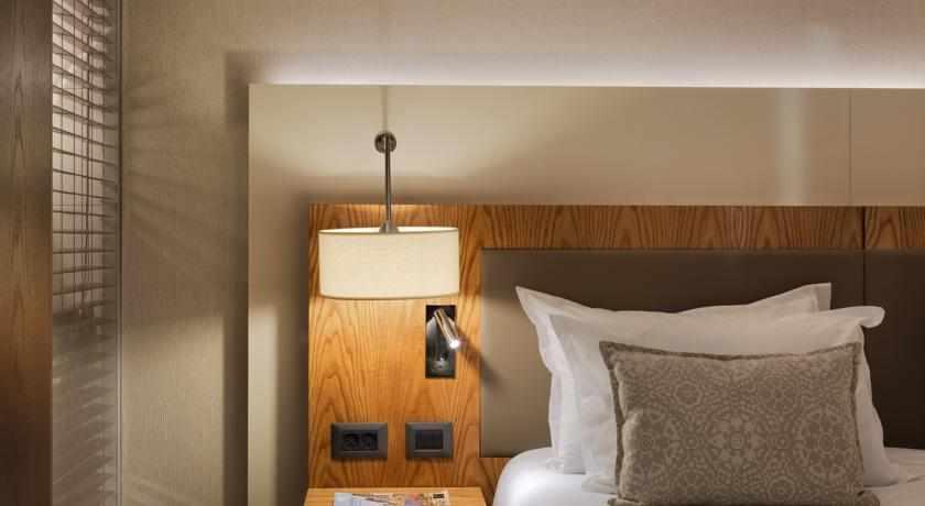 תאורת חדר ישרוטל טאואר
