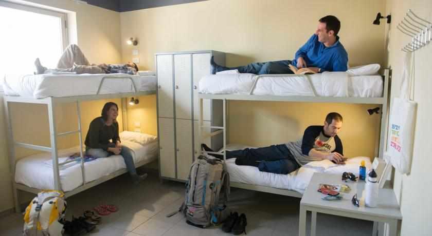חדרים משותפים אכסניית אברהם